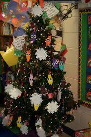 Best 25 Paper Tree Classroom Ideas On Pinterest  Classroom Tree Classroom Christmas Tree
