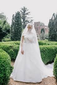 bride in barnsley gardens portrait