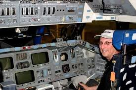 Love of flying machines propelled Minnesota native to shuttle job ...