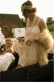 diy 20s costume 1920s photo shoot the great gatsby wedding