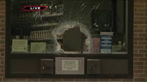 thieves smash pharmacy window to break into walgreens com