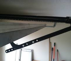 shows rail to top of door proper clearance