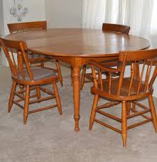 Maple Kitchen Table And Chairs 1950s Lancaster County Maple Table And Chairs Willett Furniture