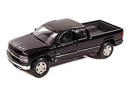 Amazon.com: Maisto Chevrolet Silverado 1/27 Scale Diecast Model ...