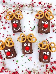 cute christmas brownies mama loves to
