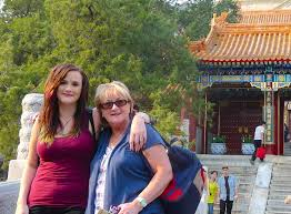 anastasia of gallivant traveling with mom in china