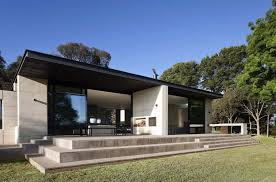 rammed earth house robson rak architects 01 1 kindesign