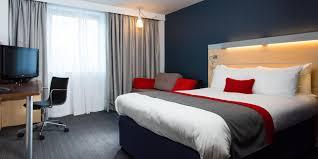 Holiday Inn Express Leeds 4606470164 2x1