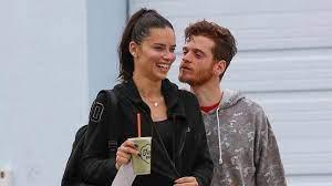 Metin Hara ile ayrılan Adriana Lima aşk iddialarına ateş püskürdü!