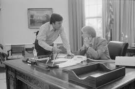 jimmy carter oval office. Hamilton Jordan Consults With Jimmy Carter In The Oval Office On August 24, 1977 (National Archives) R