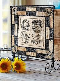 Quilt Stands For Display Stunning Decorating With Quilts Show Off Quilts In Style Pinterest
