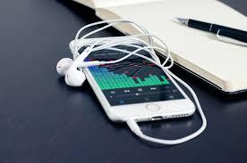 iphone headphones 7. tests show iphone 7 with adapter sounds worse than 6s 3.5mm headphone jack \u2013 bgr iphone headphones i