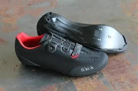 the b bit of the r3b name stands for boa but even putting closure system to one side these are very different from fiziku0027s standard r3s those all stiff soled shoes g41