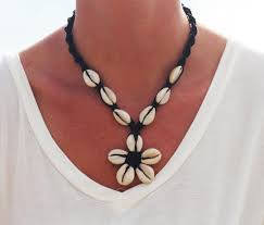 cowrie shell flower necklace