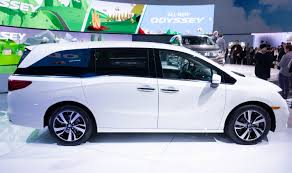 2018 Honda Odyssey White Profile  Y