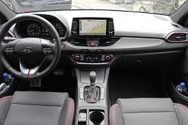 2018 hyundai elantra interior. perfect elantra 2018 hyundai elantra gt review interior dash with red accents to hyundai elantra interior