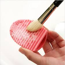 5pcs lot makeup brush cleaner egg brush scourer squeegee silicone cleaning brush cleanser make up brush cleaner clean tools in cleaning brushes from home