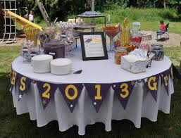 Round Table Tracy Grad Party Buffeti Like The Idea Of A Round Tablecenterpiece