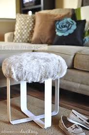 diy faux fur stool via delineateyourdwelling com