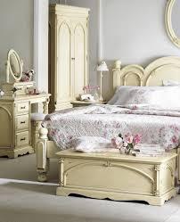 vintage looking bedroom furniture. White Vintage Bed With End Storage And Makeup Vanity Looking Bedroom Furniture