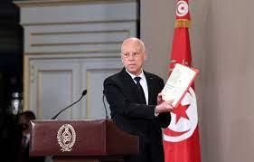 تونس تنفتح على معركة صلاحيات بين رأسي السلطة