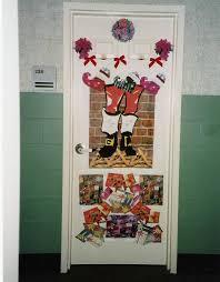 The Attractive Christmas Door Decorations