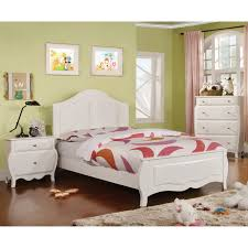 Young Olivia Modern White 3-Piece Bedroom Set by FOA