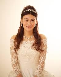 ウェディングドレスとティアラでお姫様みたいな花嫁に Tagaya