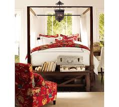 Farmhouse Canopy Bed Aims To Please - TEVAMI