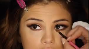 here s selena gomez s 6 step eye makeup tutorial s t