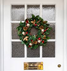 Mix it Up - Traditional and Unconventional Holiday Wreaths for All