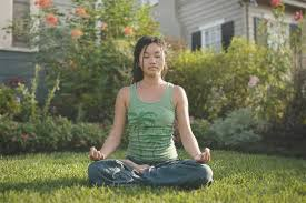 how to meditate in office. How To Meditate For Beginners - 30 Tips, Tricks And Tools | The Art Of Living In Office G