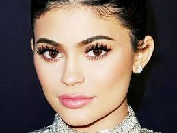 this is why kylie jenner got lip injections