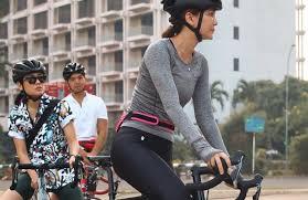 Luna maya nangis video pornonya diputar di persidangan. Gaya Sporty Luna Maya Gowes Sepeda Rp60 Juta Duh Cantiknya Okezone Lifestyle