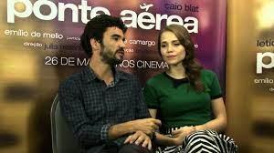 Ponte Aérea: Entrevista Caio Blat e Letícia Colin - YouTube