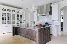 A Timelessly Elegant Mansion Lark  Linen - Elegant kitchen
