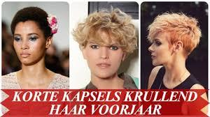 Ten Top Risicos Van Kort Krullen Kapsels Halflang Haar