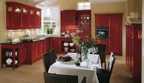 Rustikale Einbauküche Spinell Weinrot