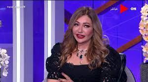 فاطمة كشري تجري جراحة لاستخراج شاش نسيه الطبيب في بطنها! | خبر