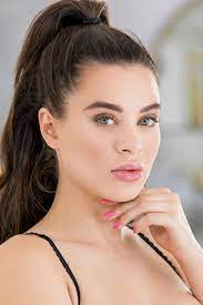 Lana Rhoades Workout Routine and Diet Plan – FitnessReaper.com