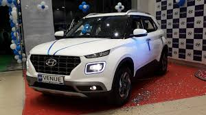 The price of hyundai venue starts at rs. Hyundai Venue Review In Hindi Price Mileage Features And Specifications Youtube