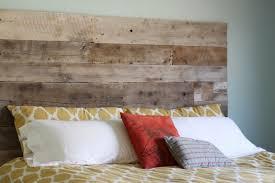 Image of: Reclaimed Wood Headboard DIY