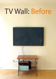 transform a tv wall into a beautiful and seasonal picture wall in 5 easy steps