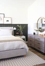 Ein schön eingerichtetes schlafzimmer kann ihnen nicht nur helfen, nachts gut zu schlafen, sondern auch, morgens mit einem positiven gefühl aufzustehen. Bedroom Decor 2 Year Old Bedroom Decor Blue And White Bedroom Decor Is Zodiac Bedroom Decor Bedroom With Fireplace Decor In 2020 Home Home Decor Bedroom Layouts