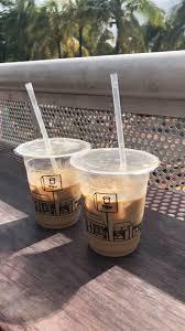 Kalo kamu fellow coffee drinker, dan kamu adalah anak sosmed masa kini, pasti kamu tau hype nya es kopi susu dengan nama2 yg artistik yg ada di tuku atau sagaleh. Coffee Es Kopi Resep Minuman Gula Aren