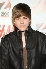 Justin Beiber Hair Style justin biebers new hair is a serious throwback to his signature 3057 by wearticles.com