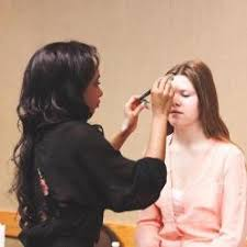 image of makeup lessons in winnipeg across canada