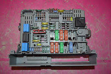 bmw fuses fuse boxes bmw 1 series e87 120d 2 00d 06 power distribution fuse box 6906621 03