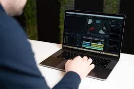 Review 7 laptop chuyên đồ họa tốt nhất 2020 cho dân design