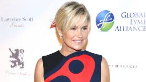 Yolanda Foster Hairstyle yolanda foster pared lyme disease to hiv and it didnt go over well 4945 by wearticles.com